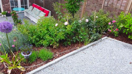 Gartenestaltung;-Einbau-von-Bewässerungssystemen