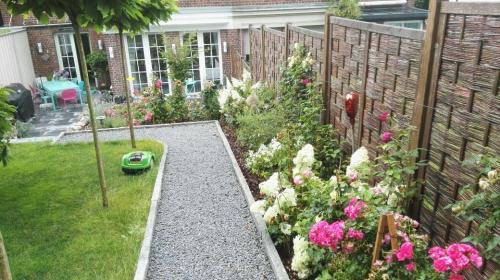 Gartengestaltung; Sichtschutz, Beete, Rasen und Weg anlegen sowie Bäume pflanzen_