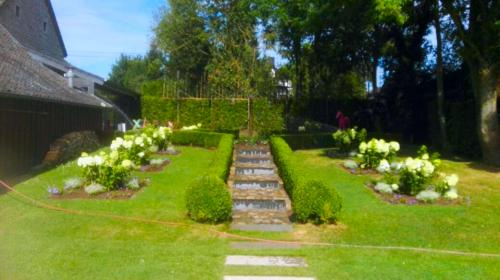 Gartengestaltung;-Weg-und-Rondell-anlegen,-Beete-und-Gehölze-anlegen-und-pflegen